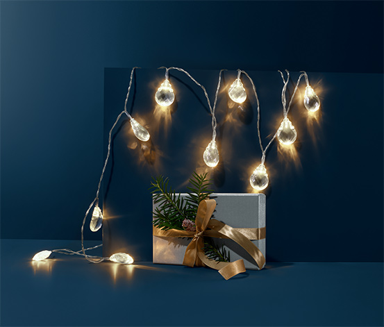 Łańcuch oświetleniowy z żarówkami LED w kształcie diamentów