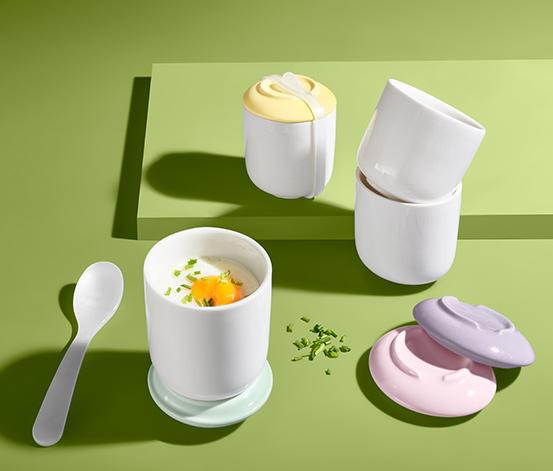 Komplet 4 porcelanowych foremek do przyrządzania jajek w kąpieli wodnej