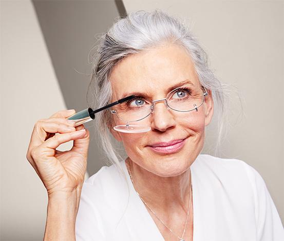 Okulary do makijażu, z opuszczanymi szkłami