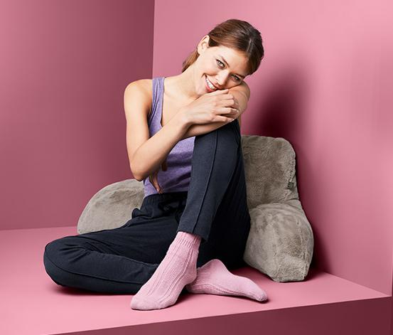Wygodna poduszka do siedzenia w łóżku